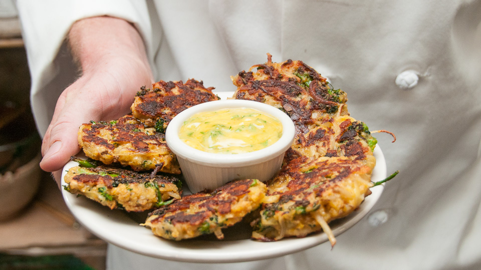 Cheesy Broccoli Potato Cakes